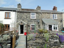 CHARMING CHARACTER COTTAGE WITH APPROX 5.5 ACRES - LIFTON DOWN
