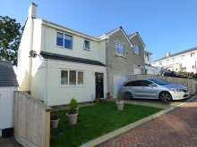Spacious modern detached house situated in small select development within the Tamar Valley...